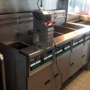 Ejemplo: VITO filtrando dentro de la freidora el aceite de freír en caliente